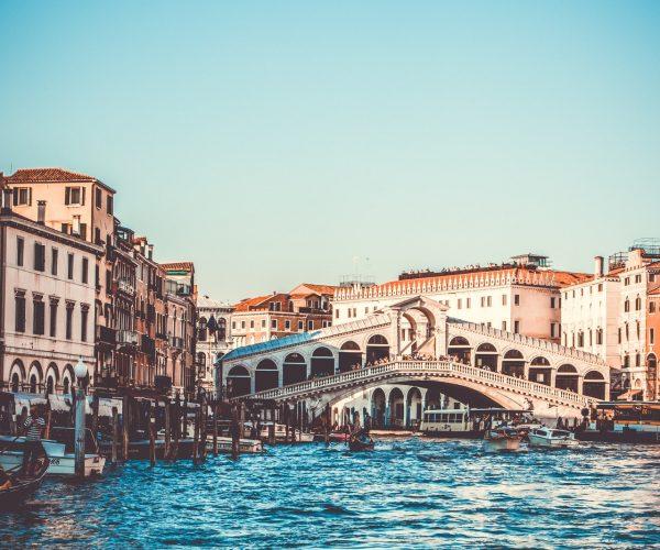arch-bridge-architecture-boats-705782.jpg